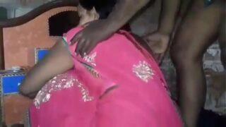 तेलुगु आंटी की चूत चुदाई अपने यार से