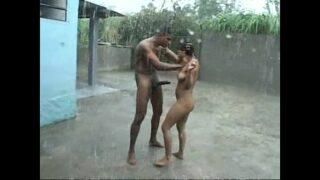 बारिश मे प्रेमिका के साथ नंगे होके चुदाई वीडियो