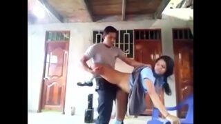 मुस्लिम गर्लफ्रेंड की टाँगे उठा कर पेलाम पेलाई