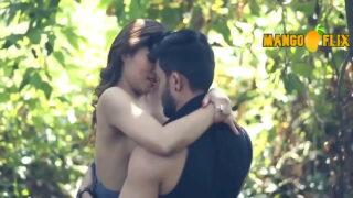 जंगल मे जवान लवर्स का हॉट सेक्स का गंदी वीडियो